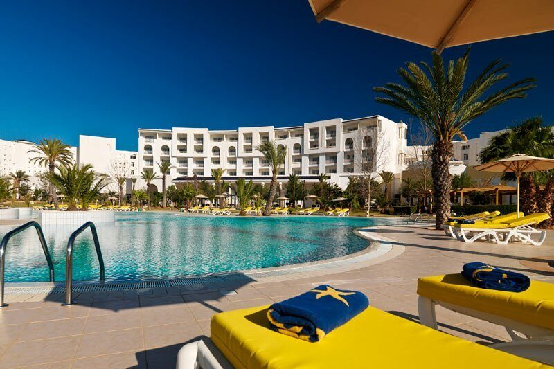 Iberostar-Saphir-Palace-5Pool-area_6